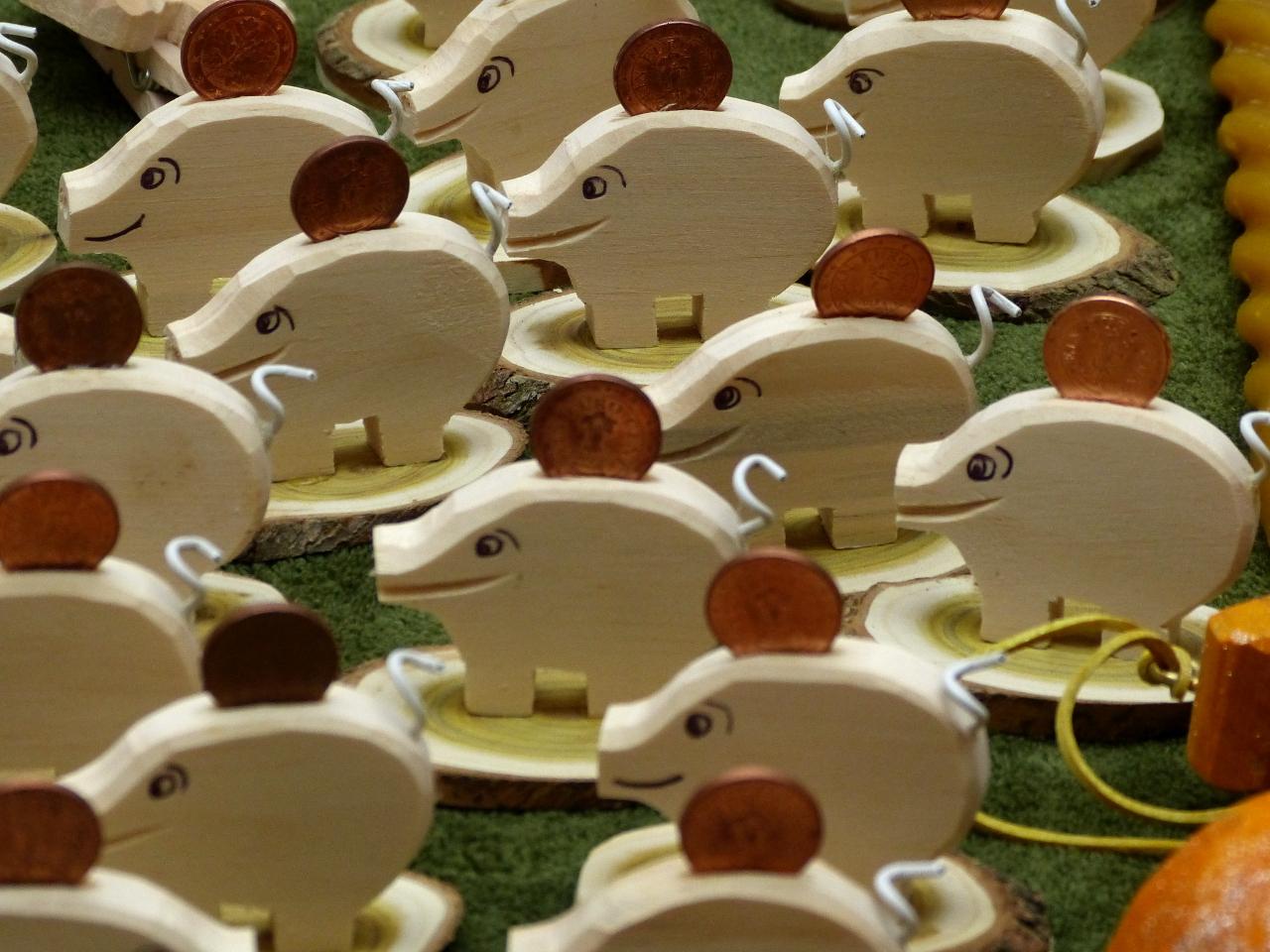 Glücksbringer Schwein mit Centmünze